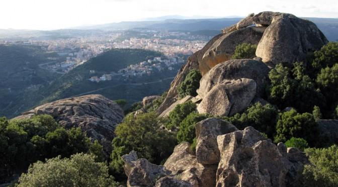 Visita guidata nel cuore della Sardegna: Santa Cristina di Paulilatino e l'Ortobene di Nuoro